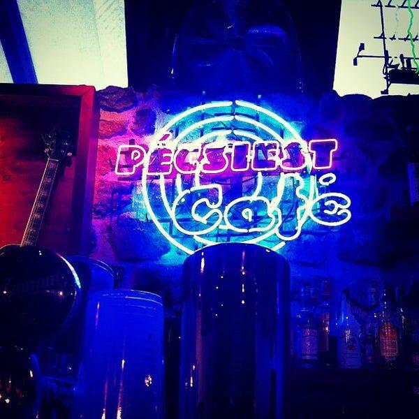 Pécsi Est Café