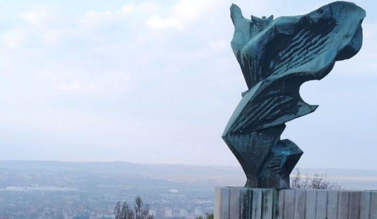 Nikészobor Fejlődő Pécs