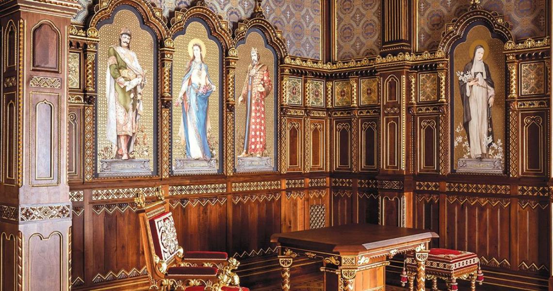 A világhírű Zsolnay manufaktúra szakemberei alkották újra a Budavári Palota Szent István-termének kandallóját